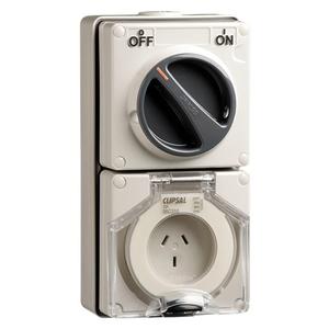 OUTLET SWITCHED IP66 3PIN 10A 250V R/ORG